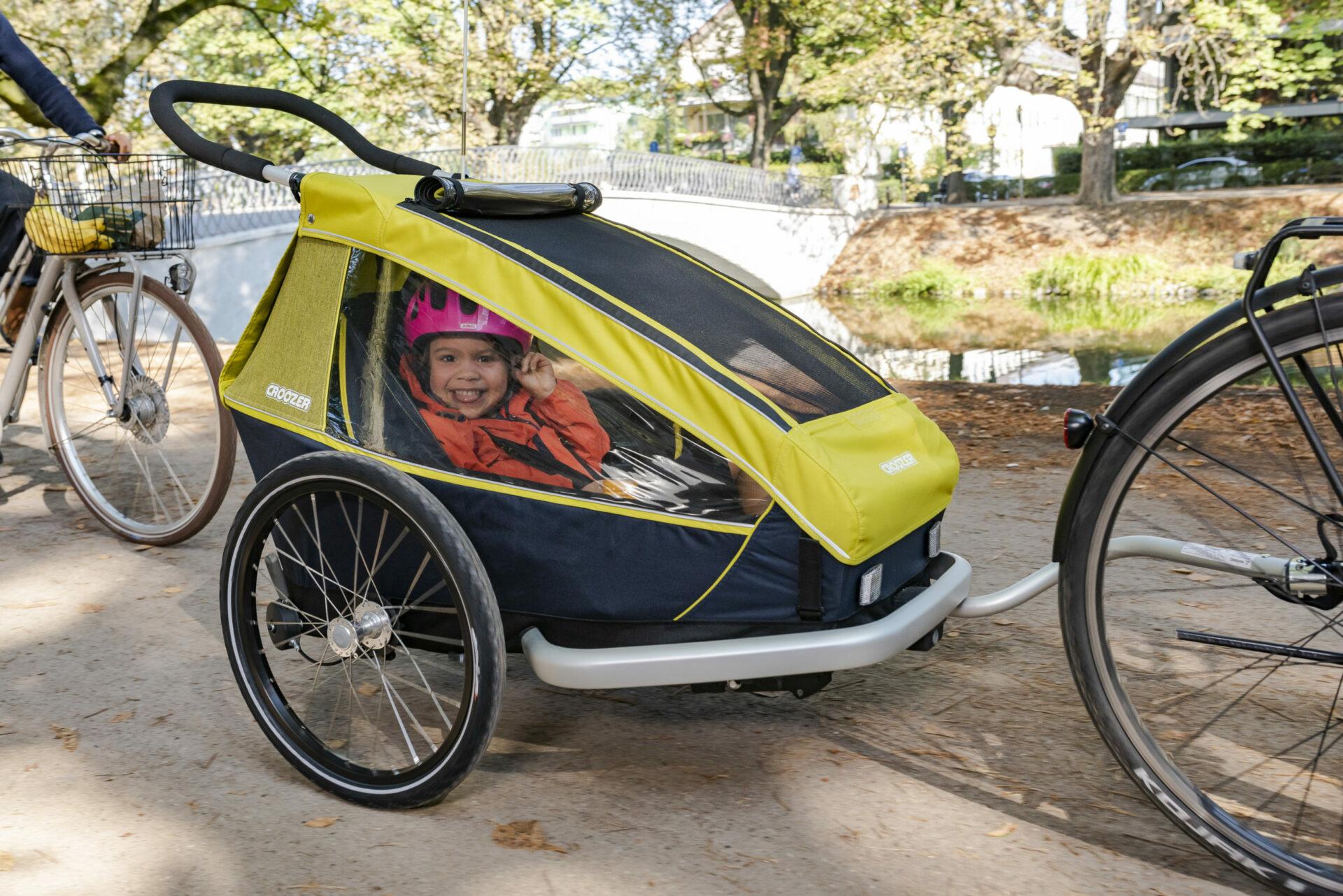 Unterwegs mit dem Fahrradanhänger, Bild: www.croozer.de | pd-f
