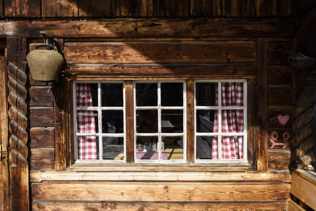 Rund um Mittenwald, Krün und Wallgau finden Sie schöne und urige Almen mit Aussichten der Extraklasse!, © Alpenwelt Karwendel | Wolfgang Ehn